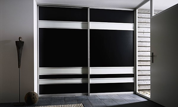 leipzig tischlerei insektenschutzgitter fliegengitter raumplus gleitt rsysteme diele. Black Bedroom Furniture Sets. Home Design Ideas