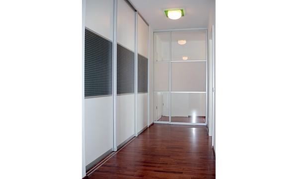 leipzig tischlerei insektenschutzgitter fliegengitter raumplus gleitt rsysteme diele. Black Bedroom Furniture Sets. Home Design Ideas