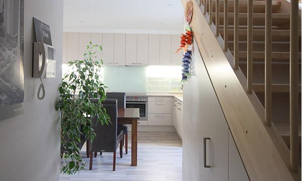 Einbauschrank Unter Der Treppe : einbauschrank-unter-der-treppe_1.jpg