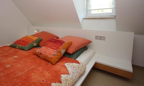 heizk rper freistehend wohnzimmer raum und m beldesign inspiration. Black Bedroom Furniture Sets. Home Design Ideas