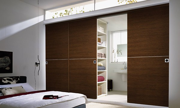 leipzig tischlerei insektenschutzgitter fliegengitter raumplus gleitt rsysteme raumhohe. Black Bedroom Furniture Sets. Home Design Ideas