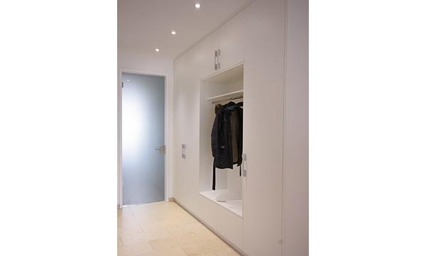 dielenschrank mit offener garderobe von boldt innenausbau. Black Bedroom Furniture Sets. Home Design Ideas