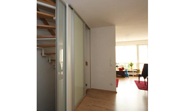 raumhohe schiebet ren zum treppenhaus von boldt innenausbau. Black Bedroom Furniture Sets. Home Design Ideas